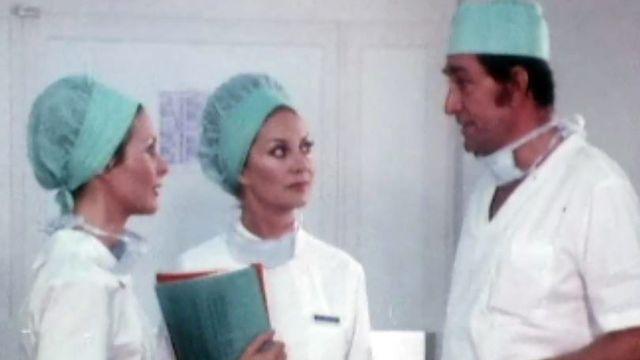 Une première opération pour le Dr Villaresi (Jean-Claude Pascal) depuis son retour. [DR]