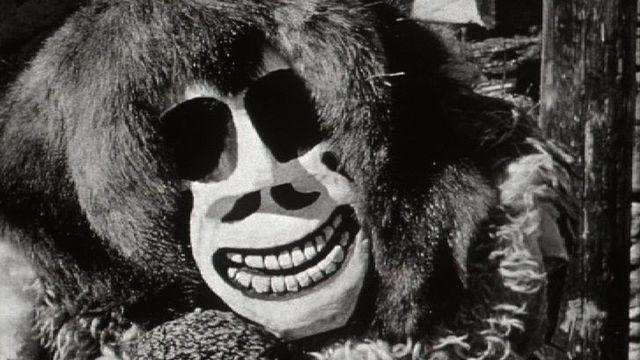 Un masque du Lötschental en 1962. [RTS]