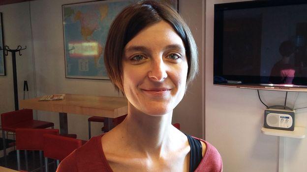 """L'invité du 12h30 - La réalisatrice suisse Elise Shubs présente son documentaire """"Impasse"""""""