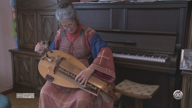 Minimag: une passionnée collectionne les instruments du Moyen-Age et de la Renaissance [RTS]