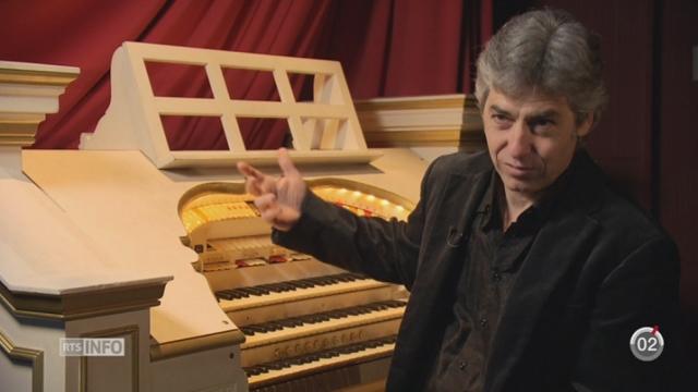 Minimag: un orgue de cinéma a trouvé sa place au Collège Claparède depuis 35ans [RTS]