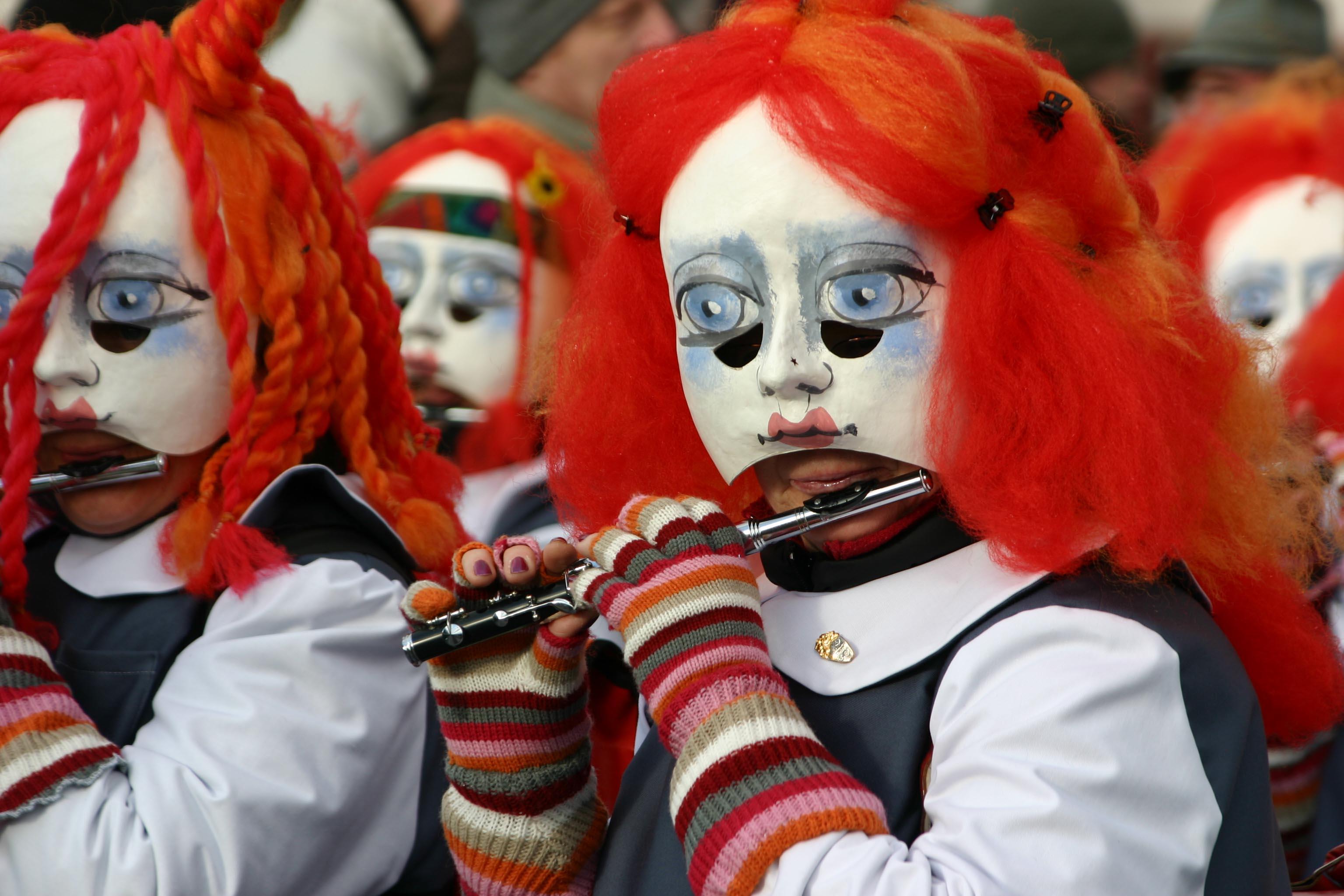 Carnavals en fête - rts.ch - Archives