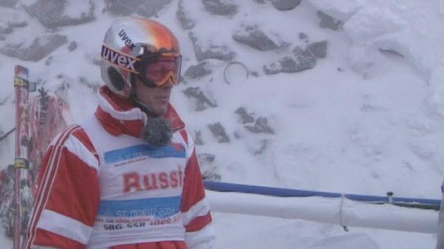 Bernhard Russi prépare la piste de descentes des mondiaux de St-Moritz en 2003. [RTS]