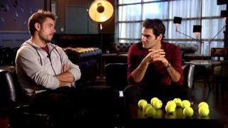 Stan Wawrinka et Roger Federer après la conquête de la Coupe Davis en novrembre 2014. [RTS]