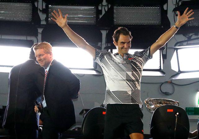 A 35 ans, Federer est devenu le 2e plus vieux vainqueur d'un tournoi du Grand Chelem. [Dita Alangkara - Keystone]