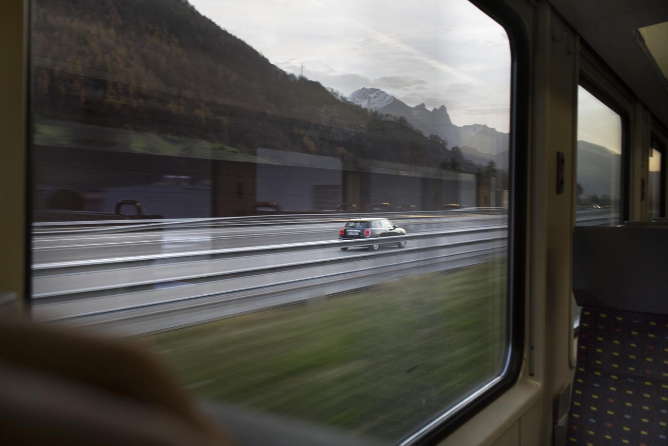 face la hausse des prix les voyageurs pourraient reprendre leur voiture suisse. Black Bedroom Furniture Sets. Home Design Ideas