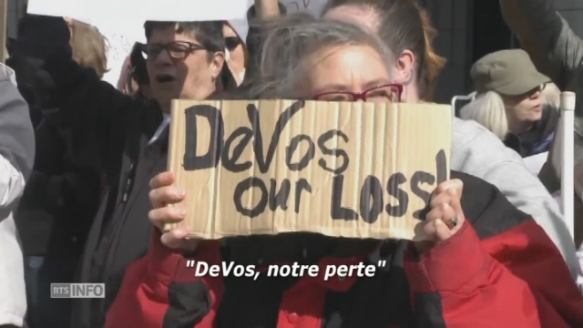 Manifestation anti-DeVos à Washington