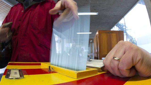 Les électeurs ont beaucoup joué du crayon pour biffer ou ajouter des candidats... [Salvatore Di Nolfi - Keystone]