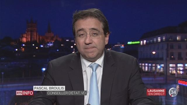 Rejet de la RIEIII: entretien avec Pascal Broulis à Lausanne et Christian Levrat à Berne [RTS]