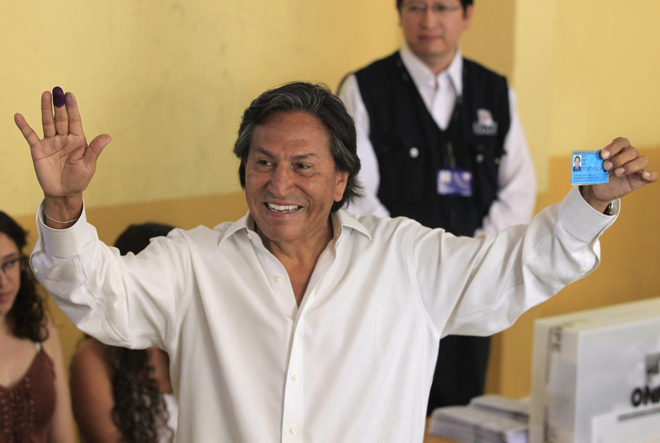 Pérou : mandat d'arrêt contre l'ancien président Toledo pour corruption