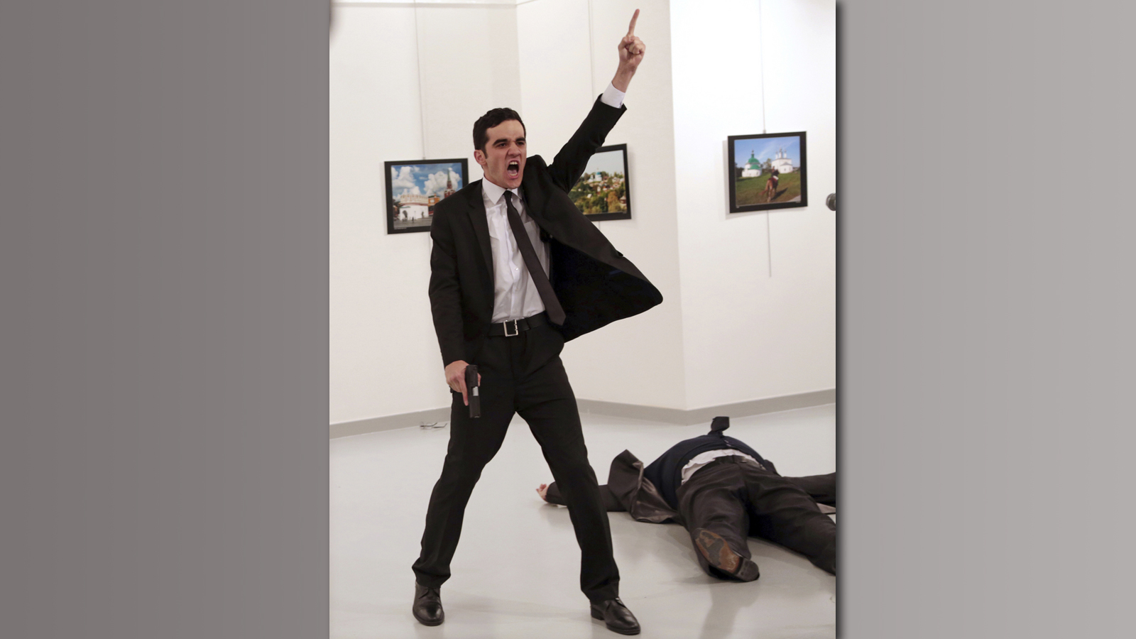 L'image de l'assassin de l'ambassadeur russe en Turquie a remporté le World Press Photo.