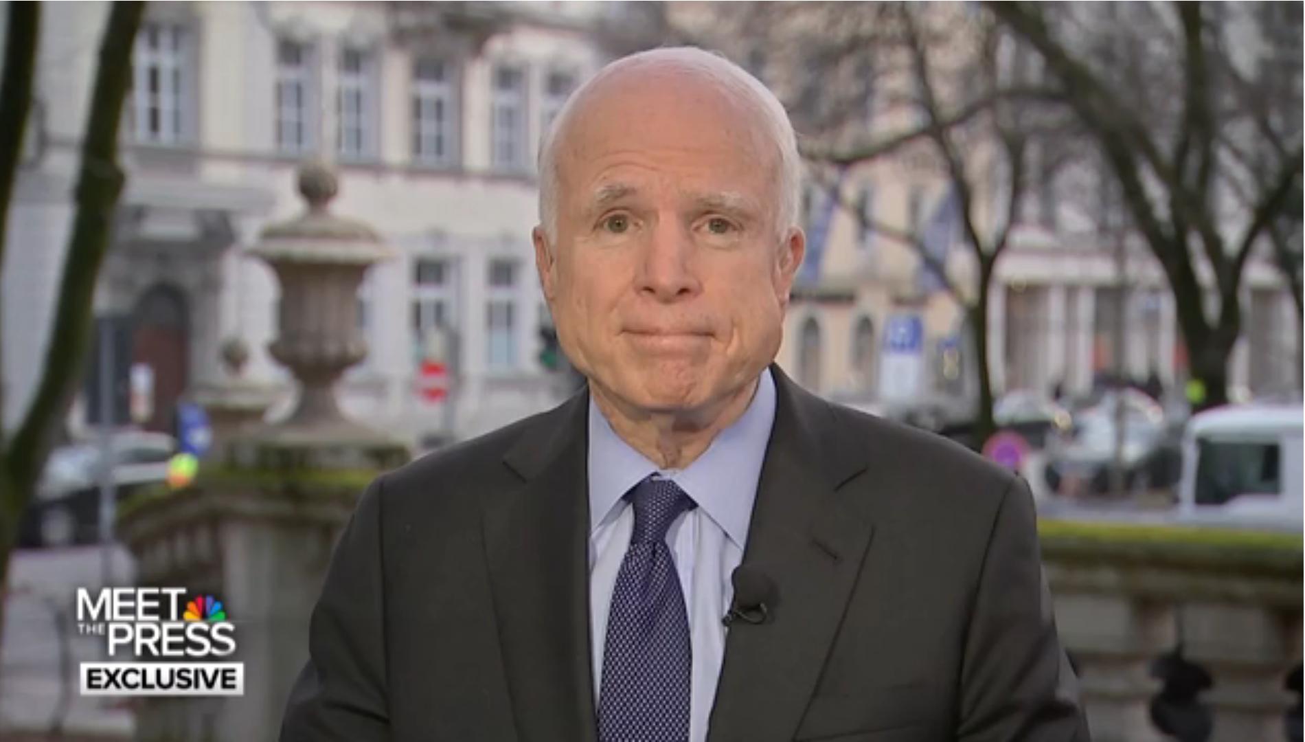 McCain compare-t-il Trump à un dictateur? (vidéo)