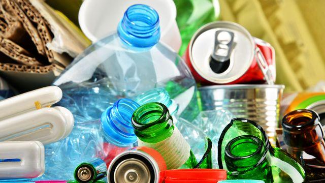 Comment diminuer sa consommation de déchets? [monticellllo - Fotolia]