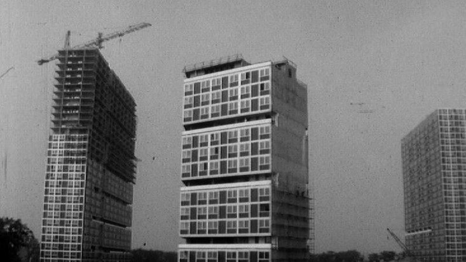 Le chantier de construction des tours du Lignon en 1966. [RTS]