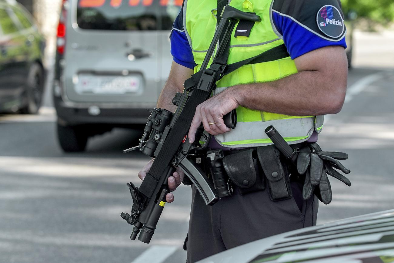 """Résultat de recherche d'images pour """"Arrêtés police lugano"""""""