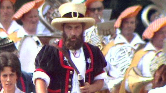 Bernard Romanens, armailli fribourgeois à la Fête des Vignerons 1977. [RTS]