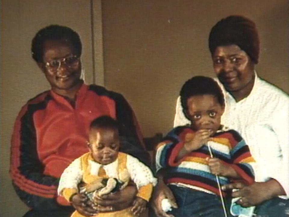 Mathieu Mazey et sa famille en 1987. [RTS]