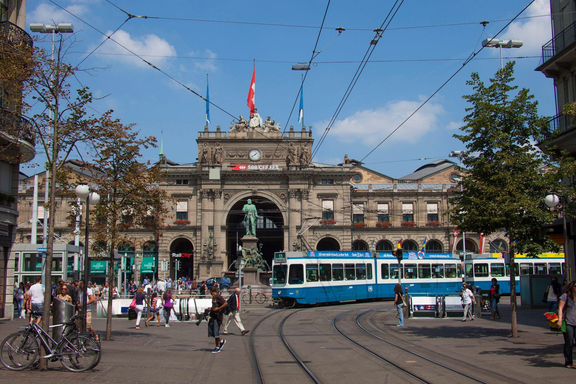 Zurich est la ville la moins agressive pour les oreilles for Piscine zurich