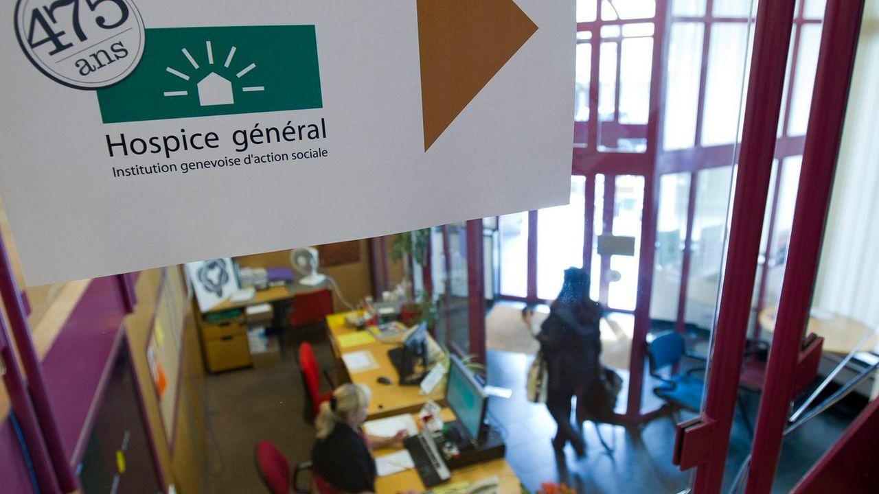 Vue du hall d'accueil du Centre d'action sociale de l'Hospice général, dans le quartier des Pâquis à Genève. [Salvatore Di Nolfi - Keystone]