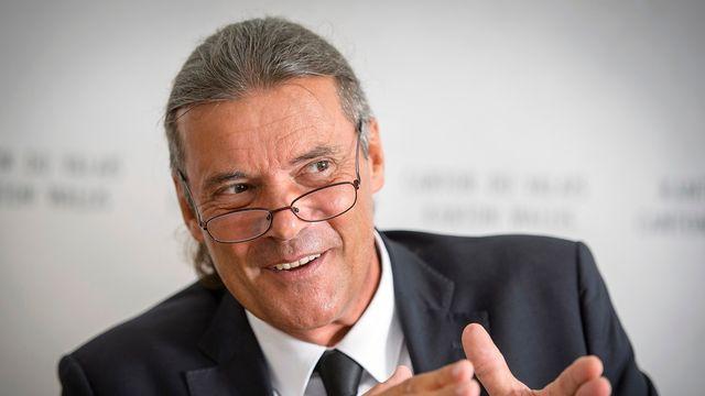 Oskar Freysinger, conseiller d'Etat évincé, rercevra une rente à vie équivalant à 40% de son traitement annuel. [Olivier Maire - KEYSTONE]