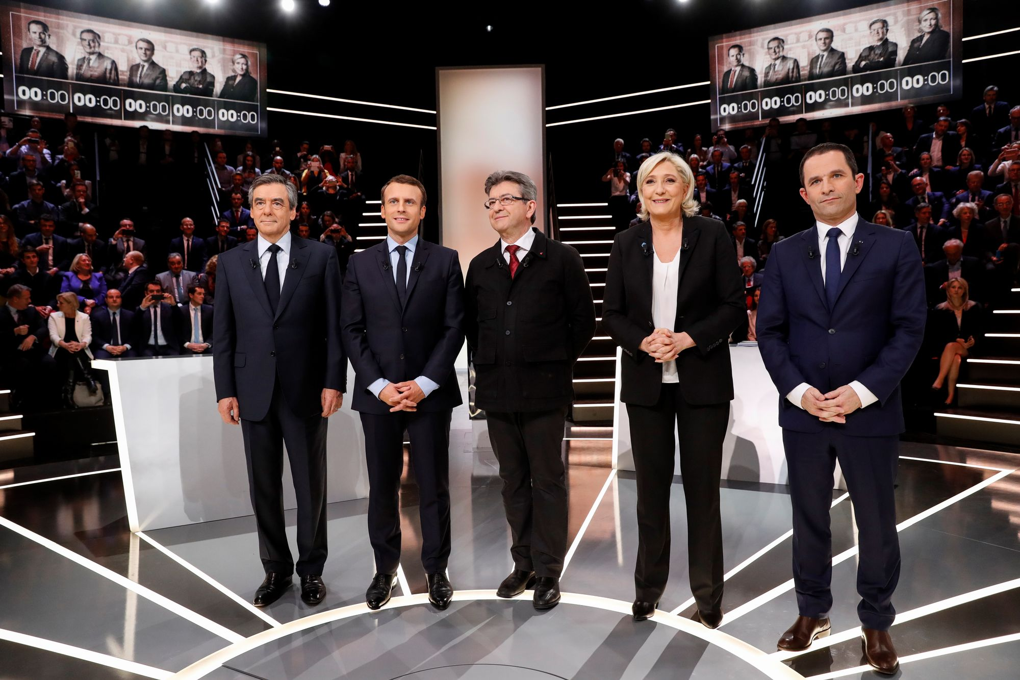 Macron s'installe devant Le Pen, Fillon à la traîne — Sondage présidentielle