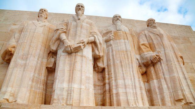 """Plus de 400 groupes religieux cohabitent dans la """"très protestante"""" cité de Calvin (2e depuis la gauche sur le Mur des réformateurs). andreykr Fotolia [andreykr - Fotolia]"""