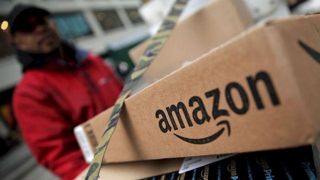 Des boîtes Amazone prêtes à l'envoi. [Mike Segar - Reuters]