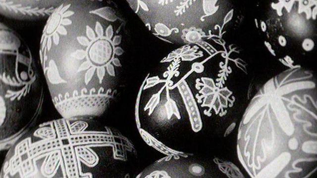 Oeufs de Pâques décorés en 1965. [RTS]