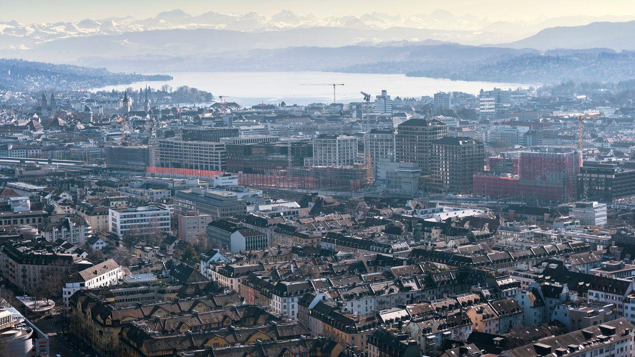 Vue de la ville de Zurich, prise depuis le silo Swissmill. [Christian Beutler - Keystone]