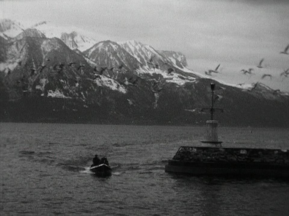 Bateau de secours sur le Léman rentrant au port, 1963. [RTS]