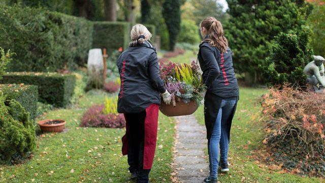 Travail.Suisse souhaite des mesures concrètes pour les travailleurs et travailleuses âgés. [Gaetan Bally - Keystone]