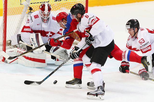 La Suisse retrouve la Russie, comme en mai 2016, en match de préparation aux mondiaux. EPA/Sergei Ilnitsky Keystone [EPA/Sergei Ilnitsky - Keystone]