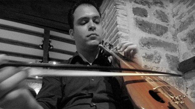 Versus-écouter - Lʹart de la lyra crétoise selon Stelios Petrakis