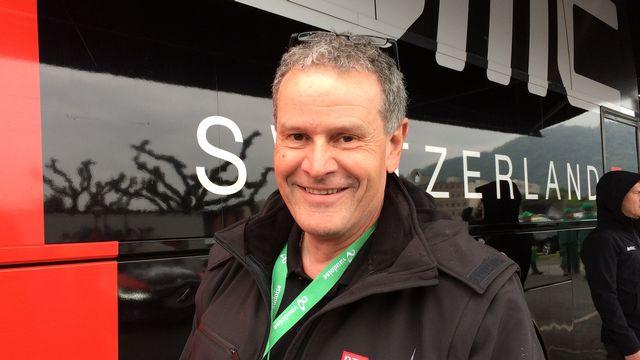 Samuel Wyss, papa de Danilo, conduit les VIPs sur le Tour de Romandie. [RTS]