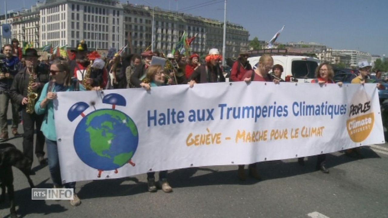 Plusieurs centaines de Genevois marchent pour le climat [RTS]