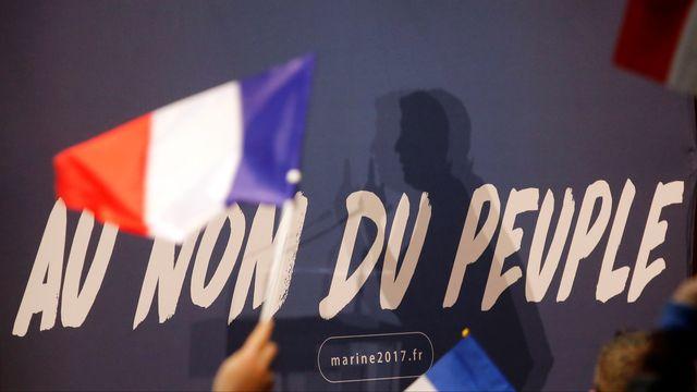 """""""Au nom du peuple"""", slogan présidentiel de Marine Le Pen. [Jean-Paul Pelissier - Reuters]"""