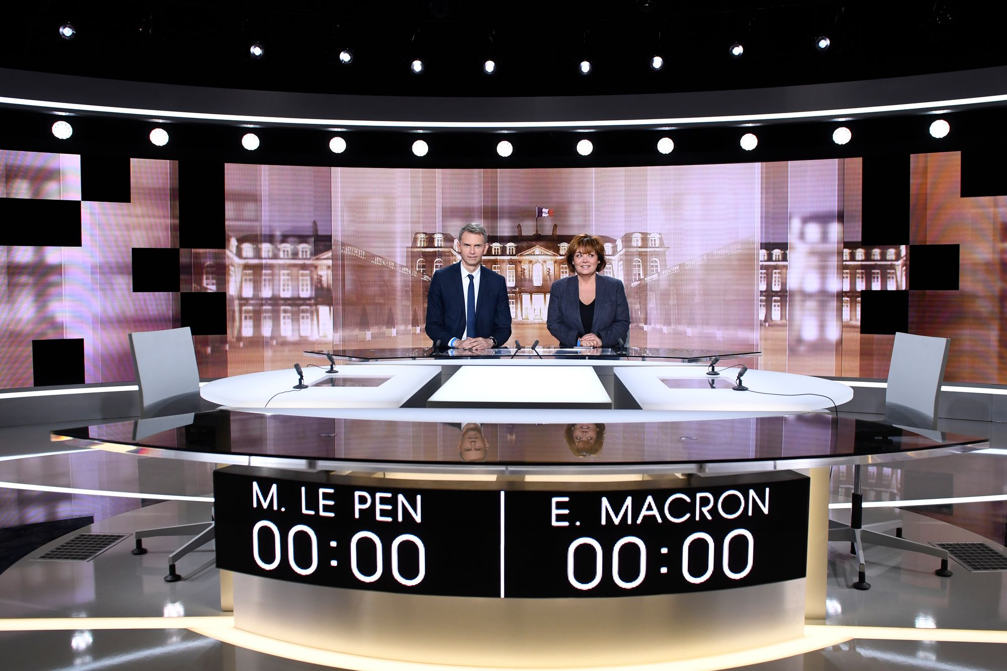 Macron: 15,1 millions de téléspectateurs devant le débat Le Pen