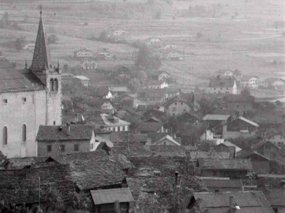 Le village de Lens en 1966. [RTS]