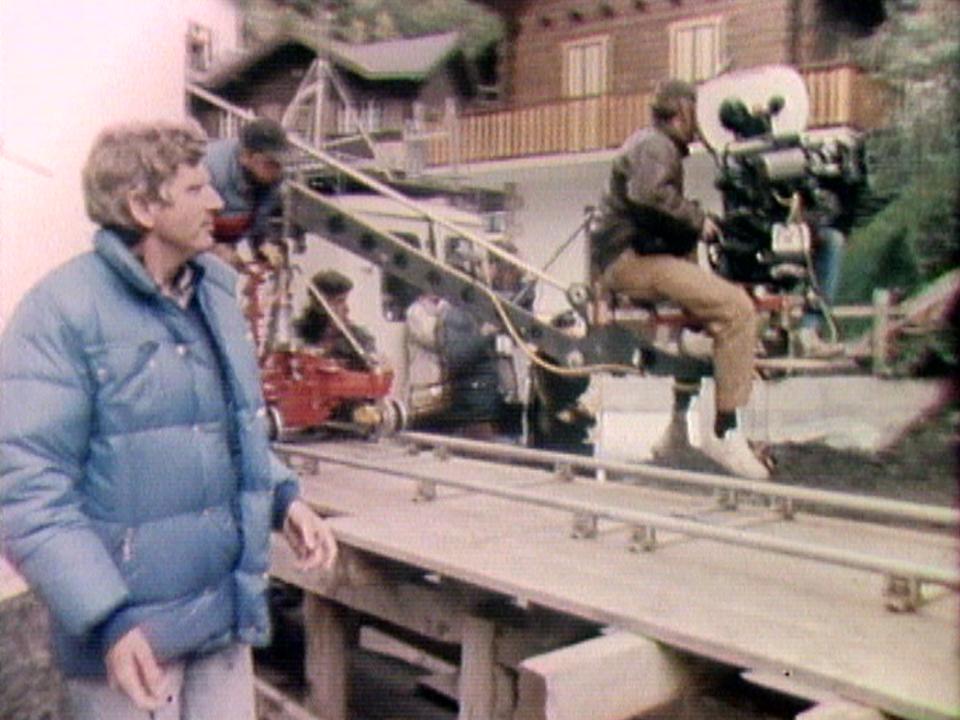 """Francis Reusser sur le tournage de """"Derborence"""", 1985. [RTS]"""