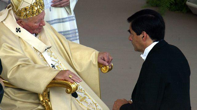 François Fillon avait rencontré le pape Jean-Paul II en 2002. [Gabriel Bouys - afp]