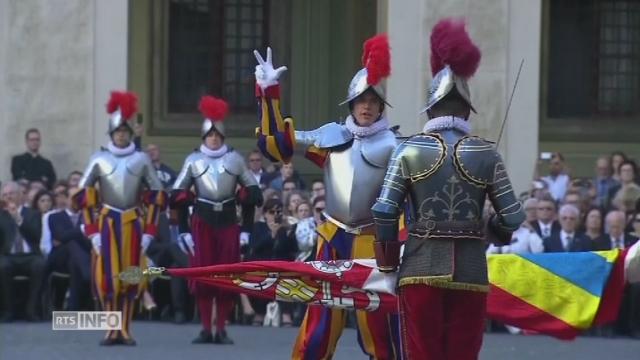 Quarante nouveaux gardes suisses ont prêté serment au Vatican [RTS]