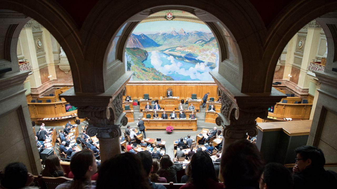 La salle du Conseil national au Palais fédéral, le 4 mai 2017. [Anthony Anex - Keystone]