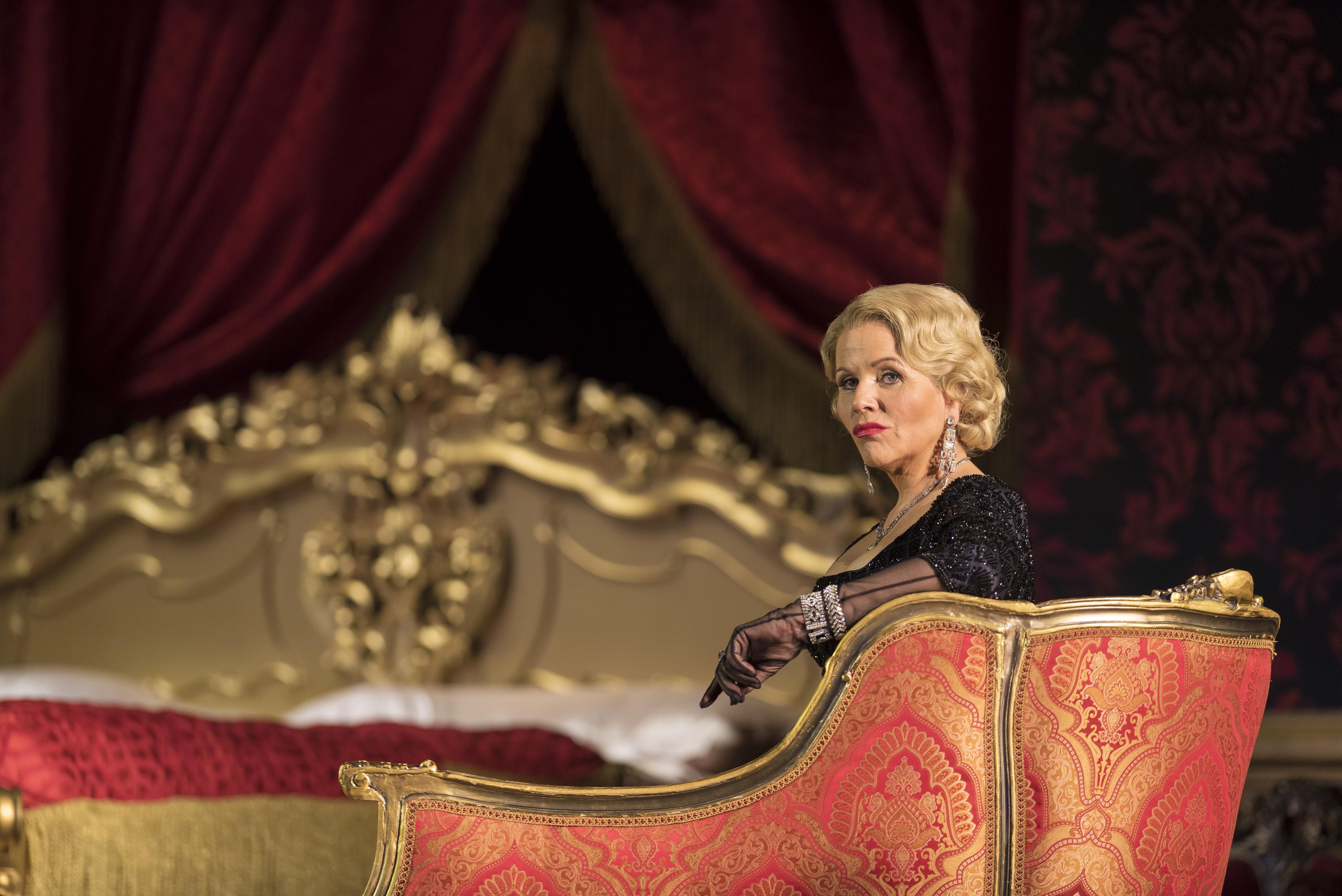 le metropolitan opera f te ses 50 ans avec un show de cinq. Black Bedroom Furniture Sets. Home Design Ideas