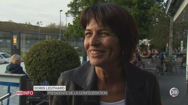 Loi sur l'énergie: Doris Leuthard en campagne [RTS]