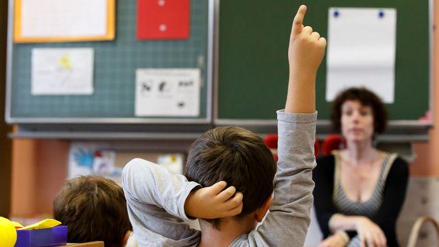 L'enseignement de deux langues à l'école primaire fait régulièrement débat en Suisse.  [Salvatore Di Nolfi - KEYSTONE]