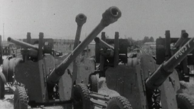 Artillerie abandonnée par l'armée syrienne sur le Plateau du Golan en 1967. [RTS]