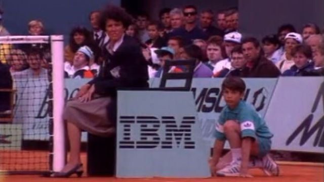 Les coulisses du tournoi de tennis de Roland Garros en 1989. [RTS]