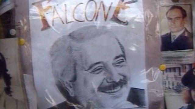 Dessin en hommage au juge Giovanni Falcone à Palerme en 1995. [RTS]