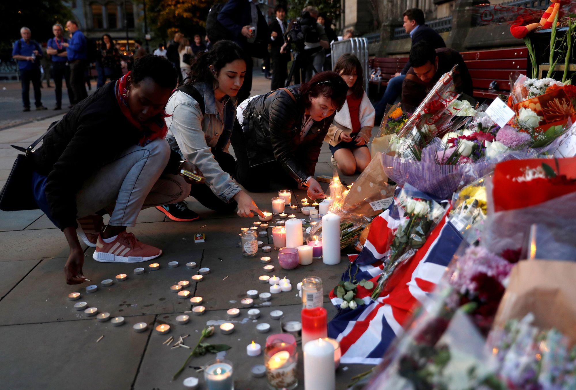 Niveau d'alerte maximal après l'attentat de Manchester — Grande-Bretagne