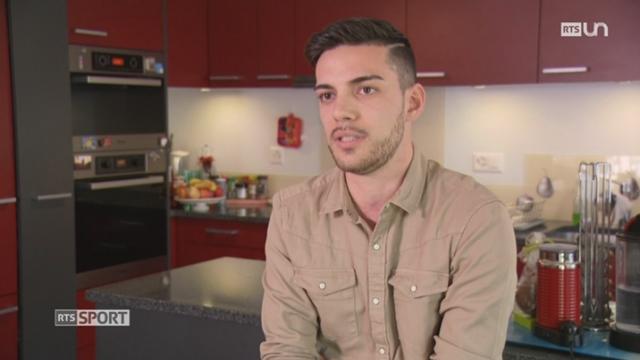 Le Mag- Football: le jeune Fribourgeois Daniel Lema raconte son parcours de Manchester City à Givisiez [RTS]